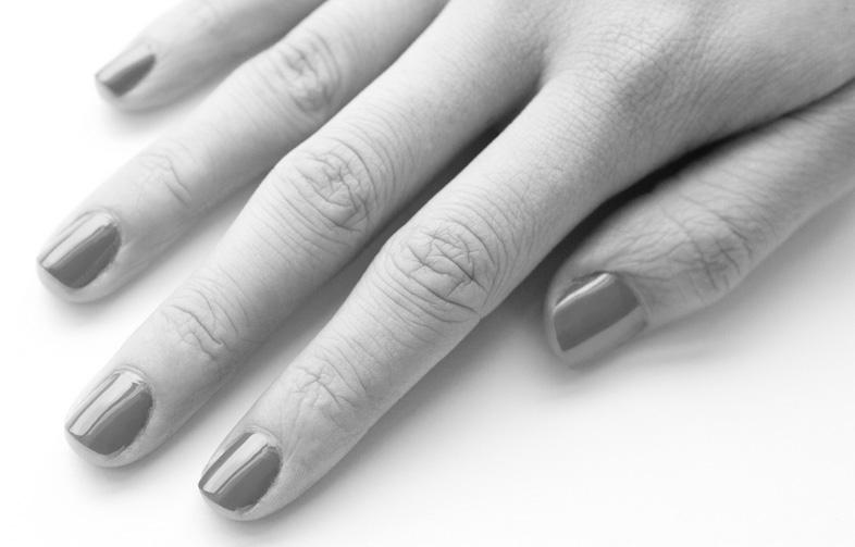 manicured-fingers2